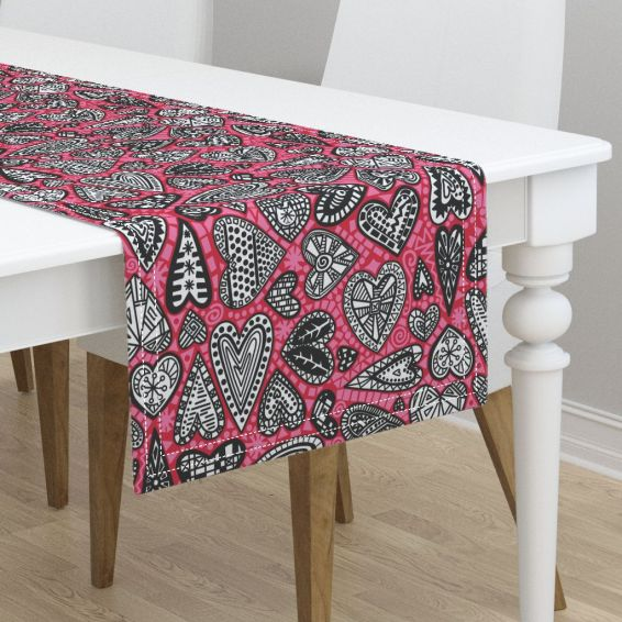 hearts tablerunner